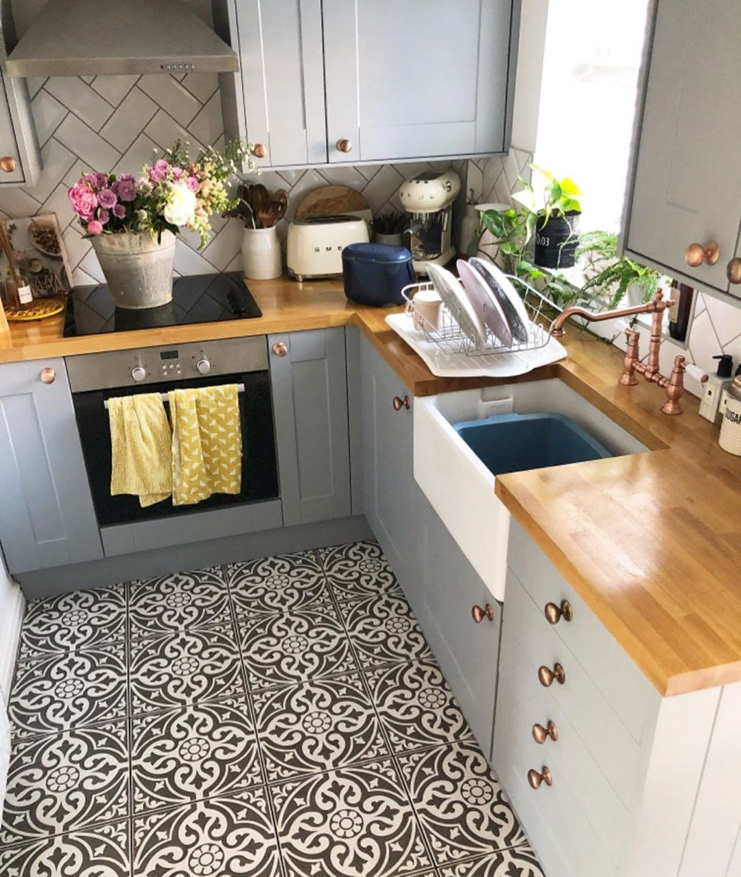 9+ Small kitchen ideas   Ideas to open your compact room 919 ...