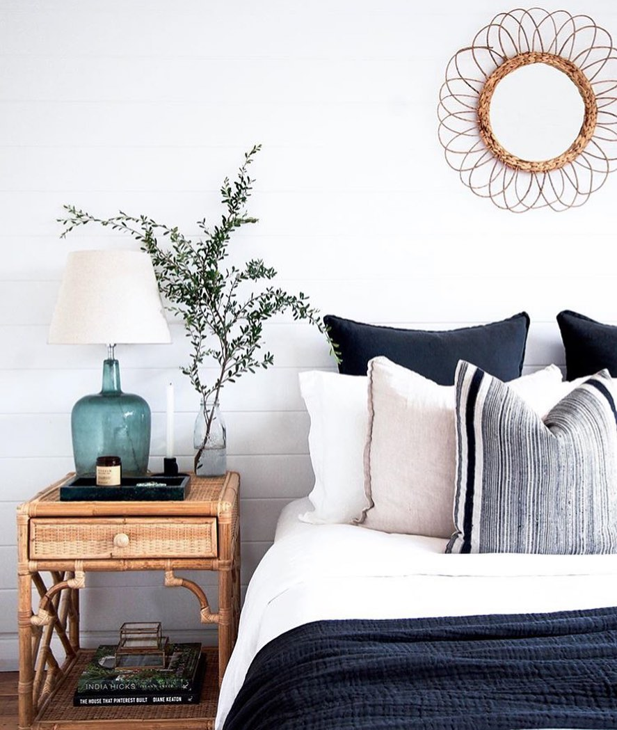 30-gorgeous-bedside-table-ideas-for-your-bedroom-2019